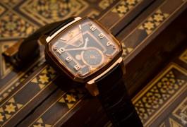 Hautlence Destination: a Month on the Wrist